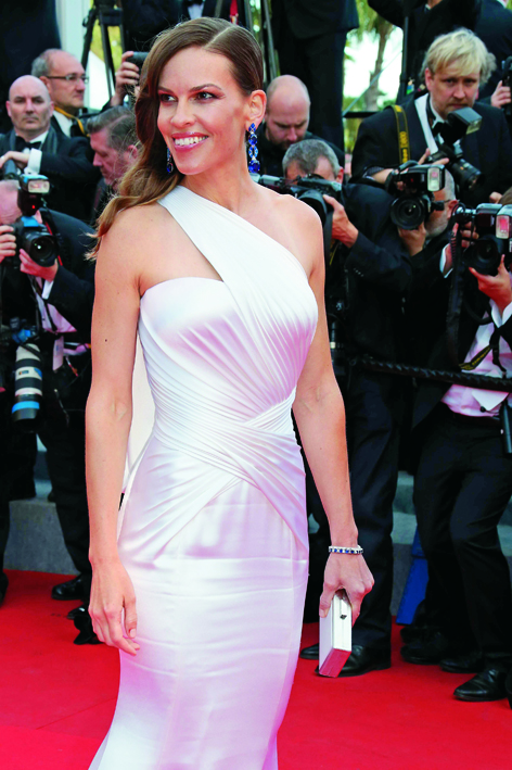 0518_Hilary_Swank_in_Chopard_02