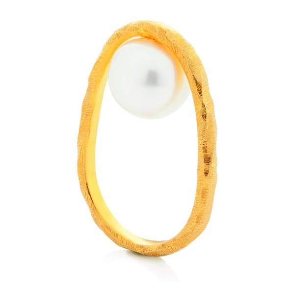 dancing pearls ring