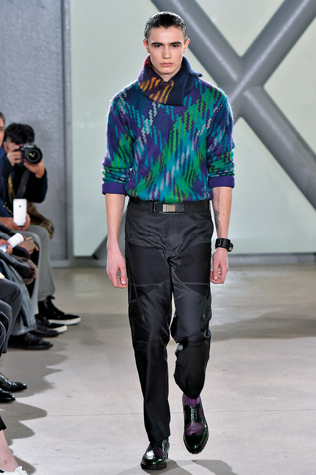 une homme -icone de Dolce   Gabbana hiver 2016 · Issey Miyake Men Paris  Menswear Fall Winter 2015 January 2015 91c679f7a328