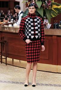Chanel - carreaux rouge- hiver 2016