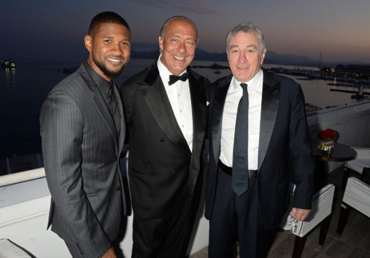 CANNES, FRANCE - MAY 16: (L to R) Usher Raymond, Fawaz Gruosi and Robert De Niro attend The Weinstein Company's HANDS OF STONE Cocktail Party presented by de Grisogono at Terrasse by Albane in Cannes on May 16, 2016 in Cannes, France. (Photo by David M. Benett/Dave Benett/Getty Images for The Weinstein Company)